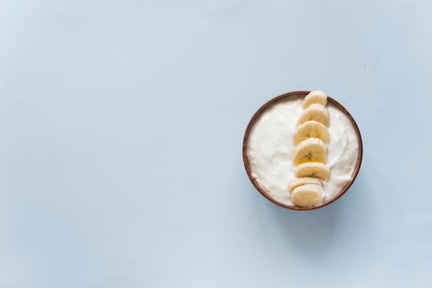 Smoothieschüsseljoghurt mit banane Premium Fotos