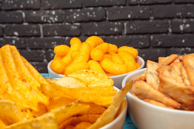 Snacks in schalen Premium Fotos