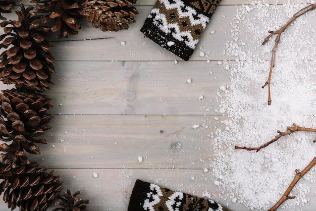 Snags, kleidung und schnee Kostenlose Fotos