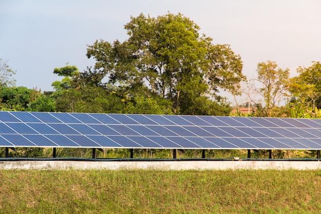 Solarstrom für erneuerbare energie aus der sonne Premium Fotos