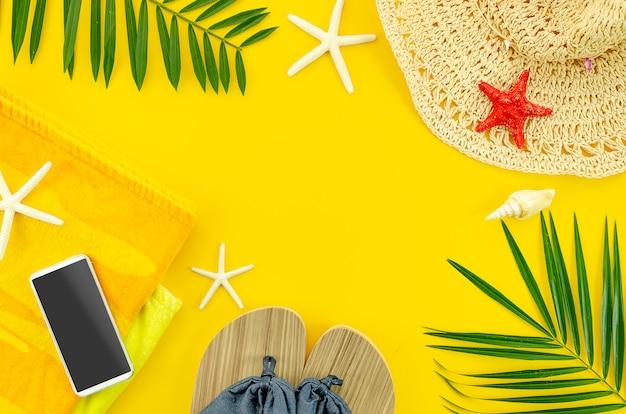 Sommer hintergrund konzept. flacher gelber rahmen Premium Fotos