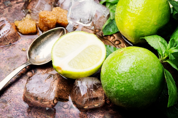 Sommer-mojito-drink Premium Fotos