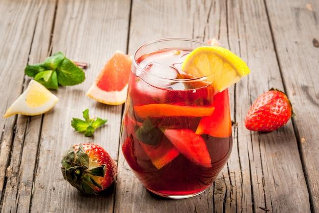Sommergetränk sangria Premium Fotos