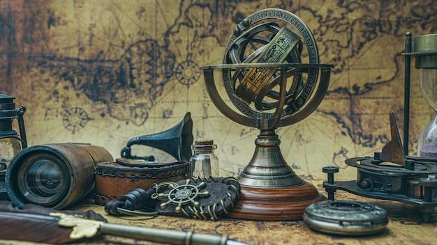 Sonnenuhr sternzeichen kompass mit sockel Premium Fotos