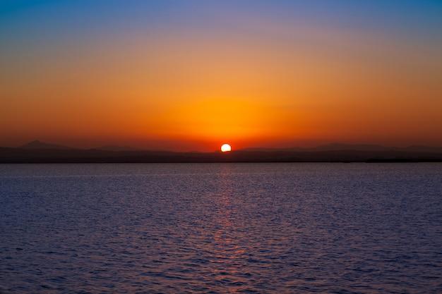 Sonnenuntergang im albufera see valencia spanien Premium Fotos