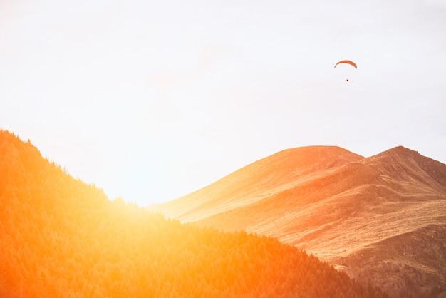Sonnenuntergang in der wüste Kostenlose Fotos