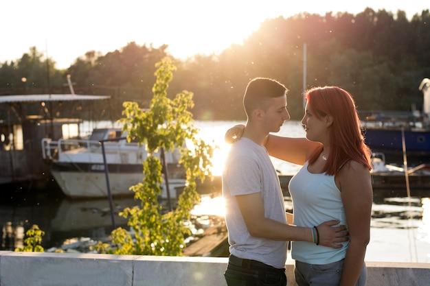 Sonnenuntergang romantik Premium Fotos
