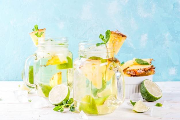 Sony dsctropical getränk, ananas mojito oder limonade mit frischer limette und minze Premium Fotos