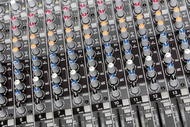 Sound-mixer-hintergrund. Premium Fotos