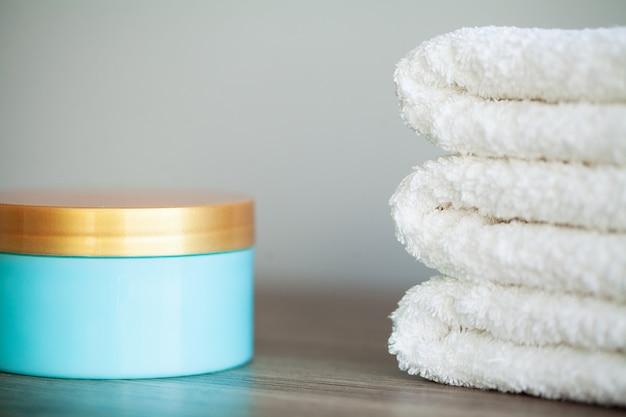 Spa relax und gesunde pflege. gesundes konzept. natürliche haushaltsprodukte für die hautpflege Premium Fotos