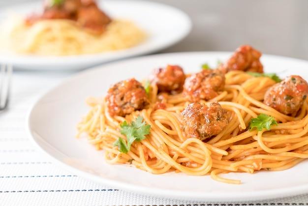 Spaghetti und fleischbällchen Kostenlose Fotos