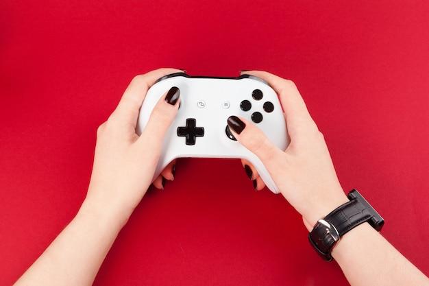 Spiel joystick auf rot Premium Fotos