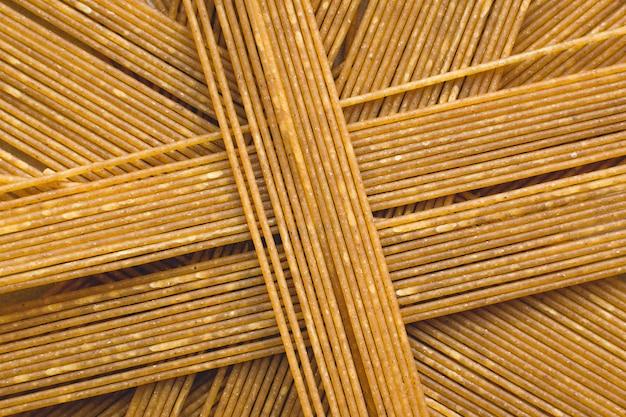 Spielerischer haufen pasta spaghetti Kostenlose Fotos