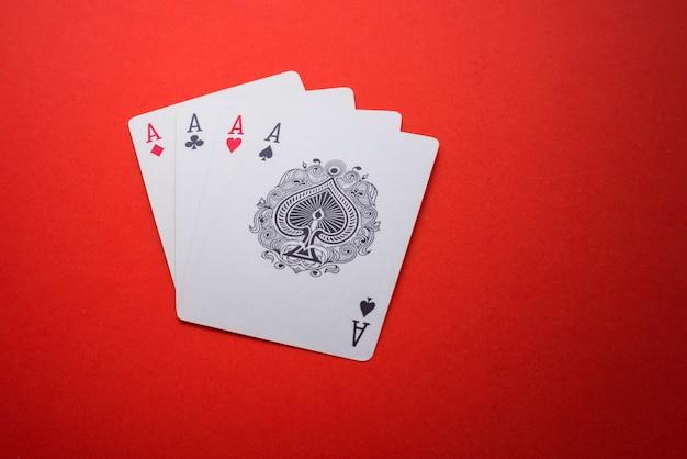 Spielkarten isoliert Premium Fotos