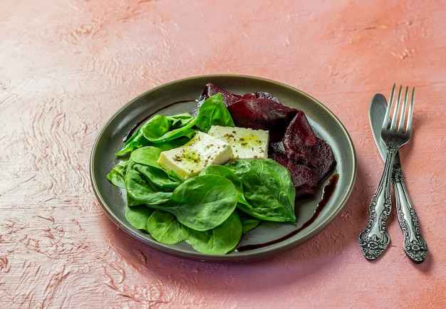 Spinat-käse-salat Premium Fotos