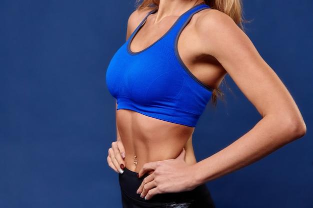 Sport. frauensportkörper stark und schön Premium Fotos