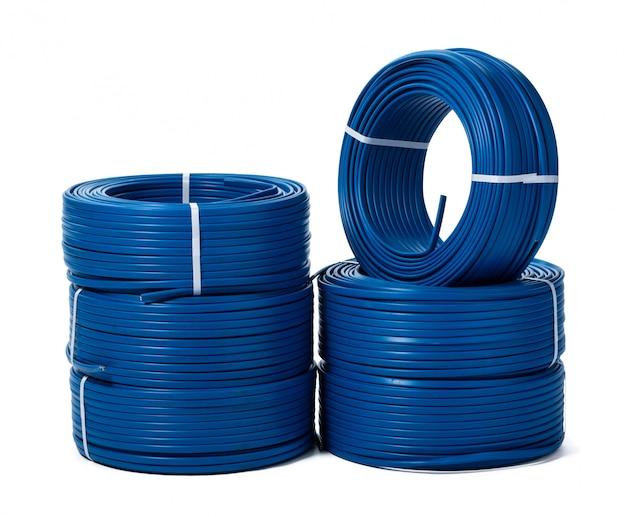 Spulen des blauen kabels lokalisiert Premium Fotos
