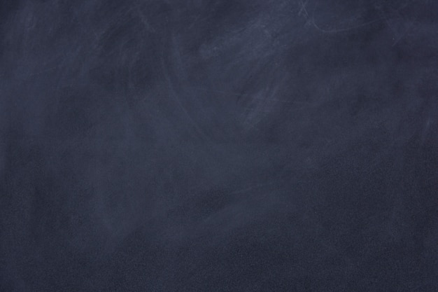 Spuren von kreide auf tafel oder tafel gerieben. säubern sie kreidebrett-oberflächenhintergrund Premium Fotos