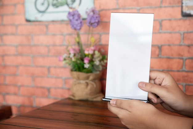 Stand mock up menu frame zeltkarte Kostenlose Fotos