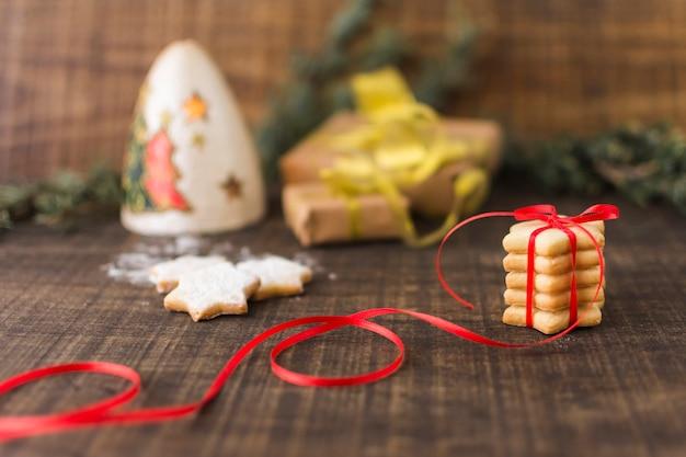 Star cookies mit geschenkboxen Kostenlose Fotos
