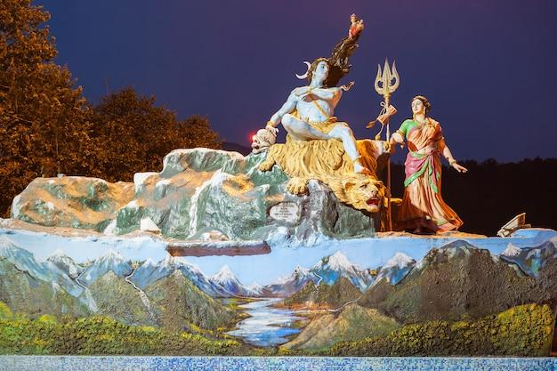 Statuen in rishikesh Premium Fotos