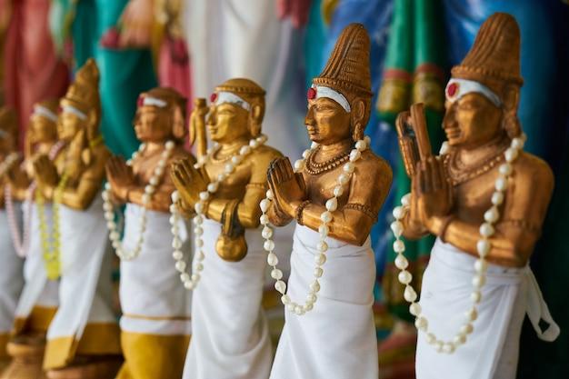 Statuen von mann zu beten Kostenlose Fotos