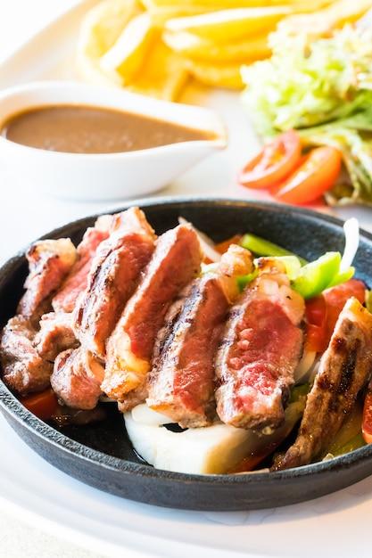 Steak rindfleisch und fleisch Kostenlose Fotos