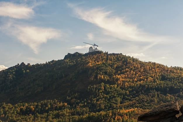 Sternwarte am berg. Premium Fotos