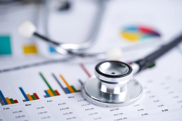 Stethoskop, diagramme und diagramme Premium Fotos