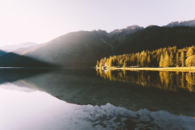 Stilles gewässer Kostenlose Fotos