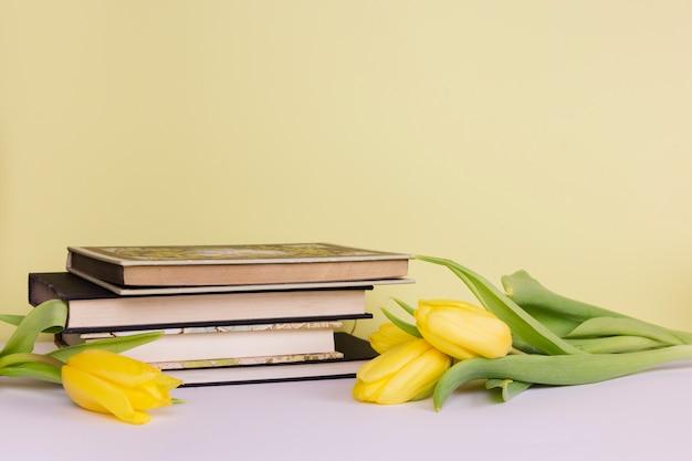 Stillleben mit literaturkonzept Kostenlose Fotos