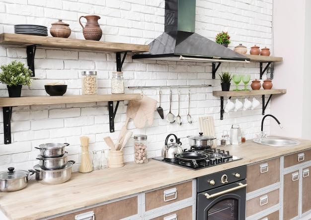 Stilvoller moderner küchenbereich Kostenlose Fotos