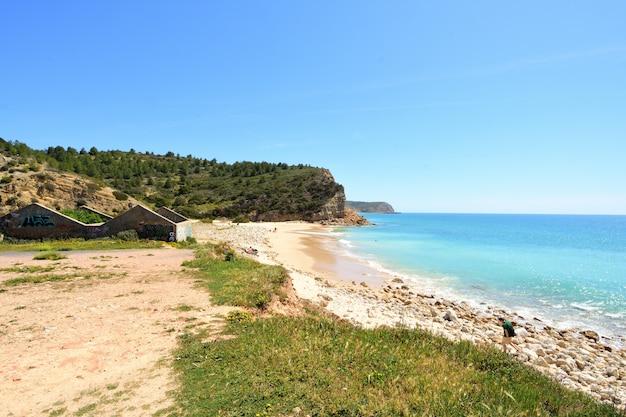Strand boca del rio, vila tun bispo, algarve, portugal Premium Fotos