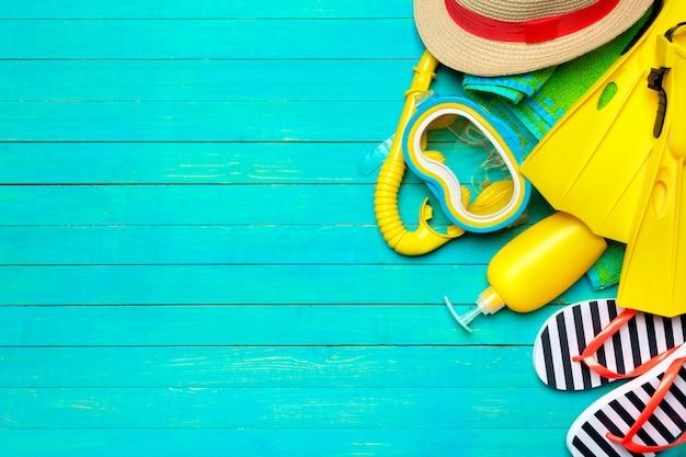 Strandebenen-lagezubehör, sommerhintergrund Premium Fotos