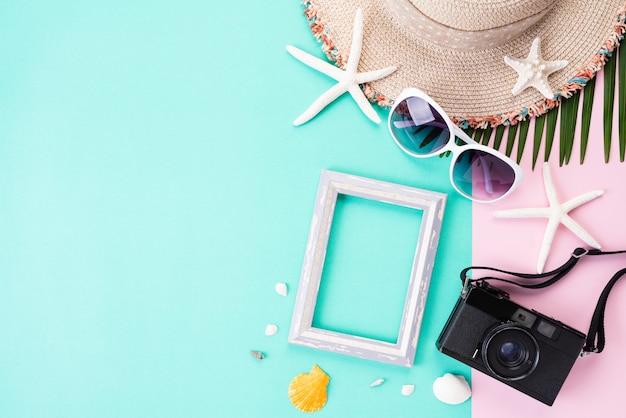 Strandzubehör für sommerferien und ferien Premium Fotos