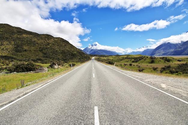 Straße auf der südinsel, neuseeland Premium Fotos