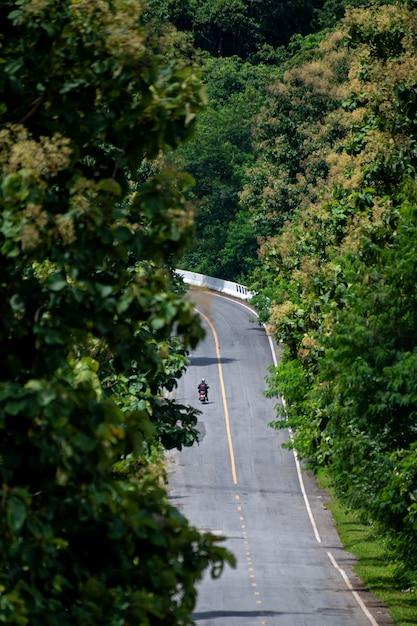 Straßen im nördlichen tal von thailand Premium Fotos