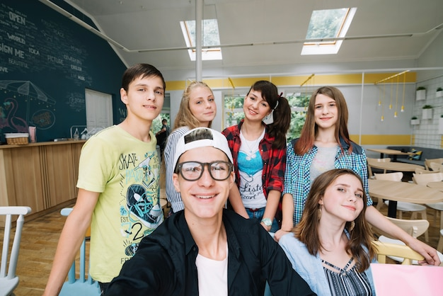 Student foto mit klassenkameraden Kostenlose Fotos