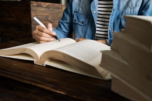 Literatur Studieren