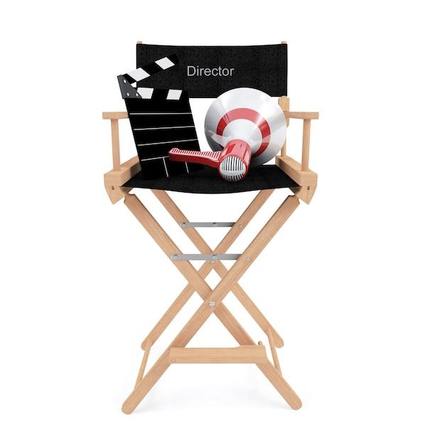 Stuhl des direktors mit dem scharnierventilbrett und -megaphon lokalisiert auf weißem hintergrund Premium Fotos