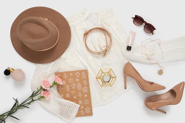 Stylische damenbekleidung Premium Fotos