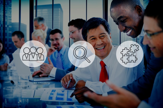 Suchendes personal-rekrutierungs-teamwork-unternehmenskonzept Kostenlose Fotos
