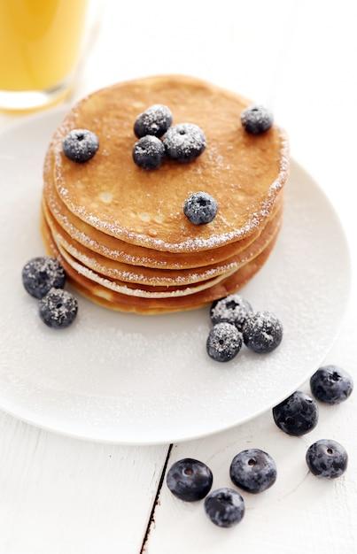 Süße pfannkuchen mit beeren Kostenlose Fotos