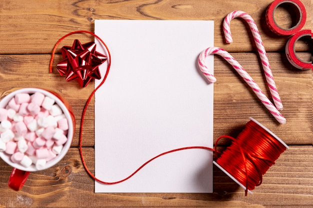 Süße weihnachtsstöcke und leerbeleg Kostenlose Fotos