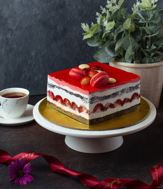 Süßer kuchen auf dem tisch Kostenlose Fotos