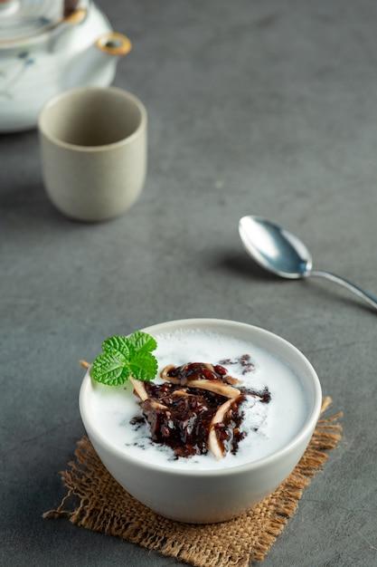 Süßes dessertgericht der schwarzen bohne Kostenlose Fotos
