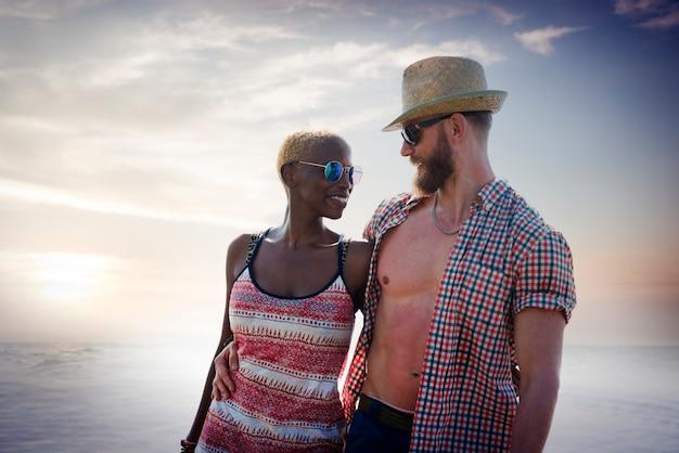 Süßes strand-sommerferien-paar-liebes-konzept Kostenlose Fotos