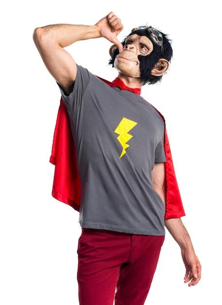 Superheld affe mann betrunken geste Kostenlose Fotos