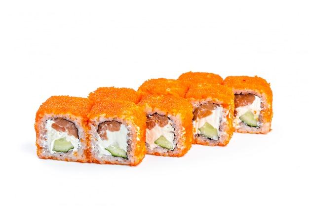 Sushirolle mit den frischen bestandteilen lokalisiert Premium Fotos