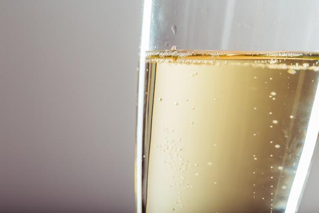 Sylvesterabend-feierhintergrund mit champagner Premium Fotos